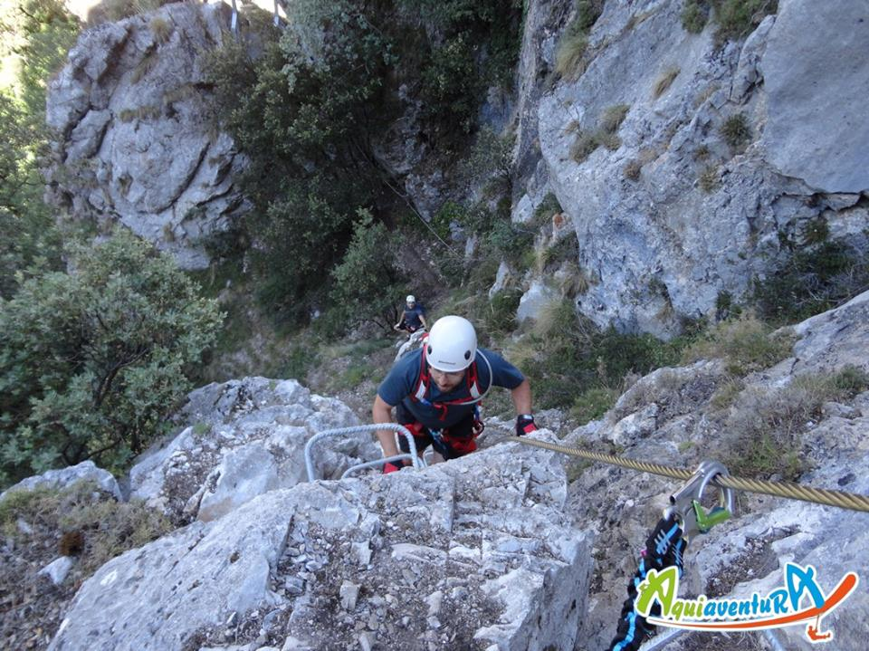 V a ferrata picos de europa aletur turismo rural for Muebles valdeon